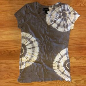 INC gray and white studded tee shirt, sz L